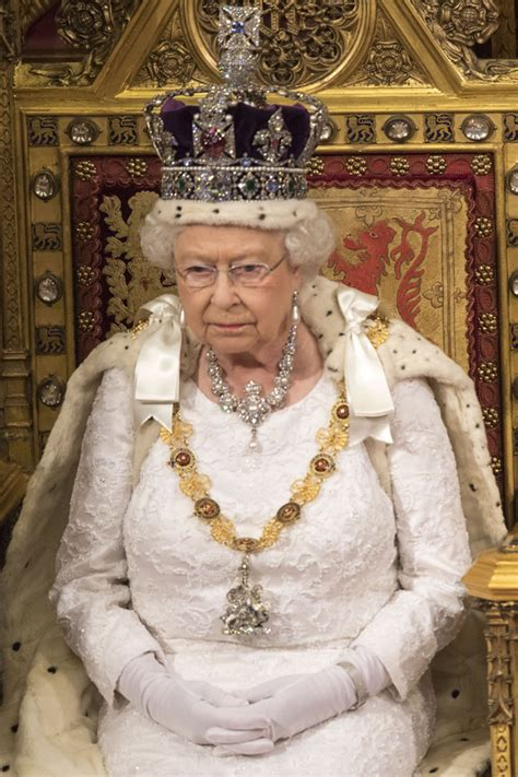 Tradition to be broken during Queen Elizabeth state
